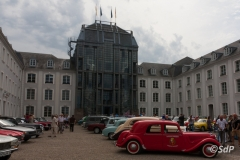 Oldtimer am Schloss